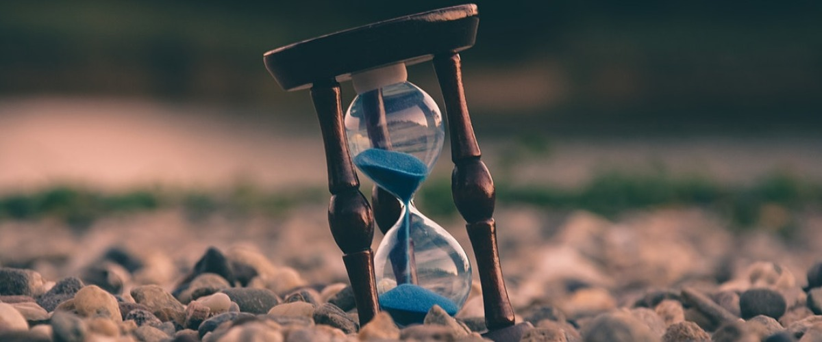 Parse datetime in Python and JavaScript